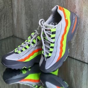 NIB Nike Air Max 95 Vast Grey Volt Gunsmoke Total Orange Hi